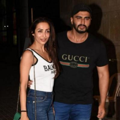 Arjun Kapoor relishes on dessert made by ladylove Malaika Arora