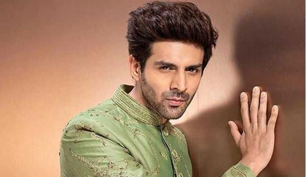Kartik Aaryan makes a couple's first anniversary special with adorable wish