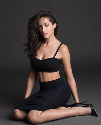 Nora Fatehi has a funny conversation with the dishes