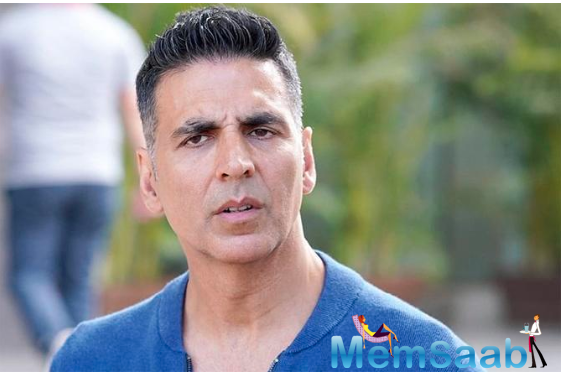 On Sunday evening, May 31, Akshay Kumar took to his Twitter account to rubbish the news that he booked a charter flight for his sister and her two kids so that they could travel from Bombay to Delhi.