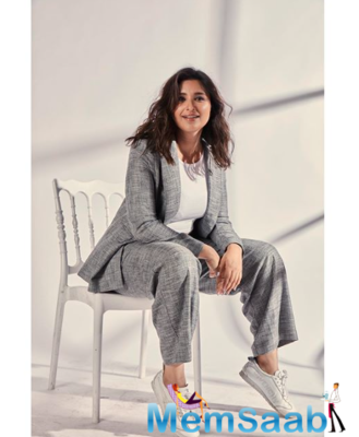 In this episode of the series by the popular magazine, let's take a look at Parineeti Chopra, spilling some beans on her future films including The Girl On The Train.