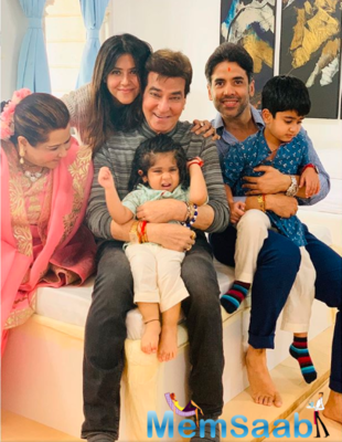 Tusshar Kapoor shares a sweet family post with a hilarious caption