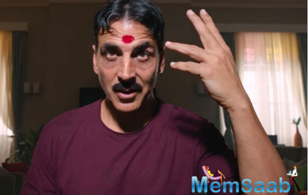The film revolves around the life of a man, played by Akshay Kumar, who is possessed by not one or two, but as many as three spirits.