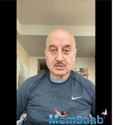 Anupam Kher announces book on his COVID-19 experiences