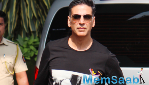 Akshay Kumar invites fans to join virtual fan event for Durgamati