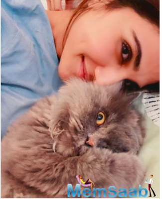 Vaani Kapoor posts adorable picture; captions,