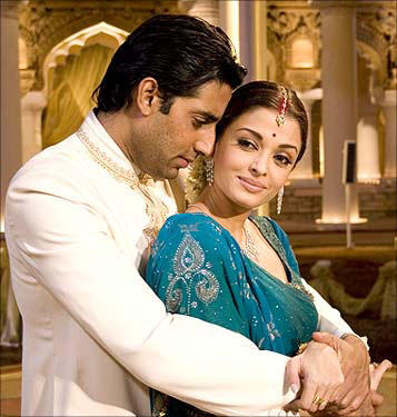 In all probability, Aishwarya and Abhishek child will be a Twin baby girl