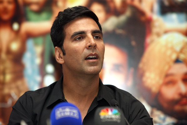 Akshay Thinks Indian Actors Are Fake!