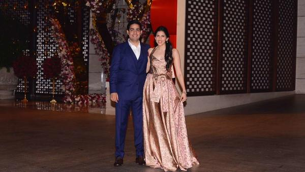 SRK Will Host an Engagement Party for This Lucky Couple!