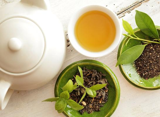 5 Reasons Why You Should Switch to Green Tea.