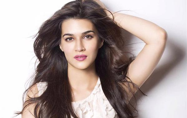 Kriti Sanon Makes Candid Revelations about Housefull 4]