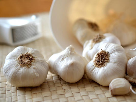 Can Garlic Help You Lose Weight?