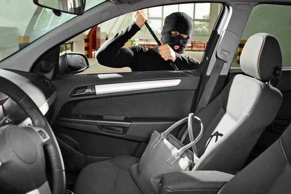 5 Things You Should Never Leave in Your Car