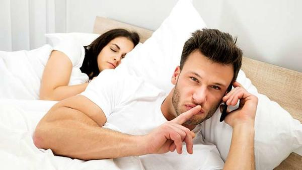 Easy Signs to Spot a Cheating Partner