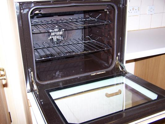 How to Keep Your Oven Clean and Sparkly
