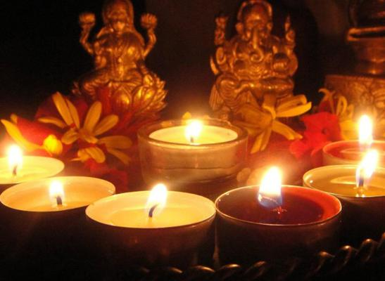 Share These Quotes and Messages This Divali!
