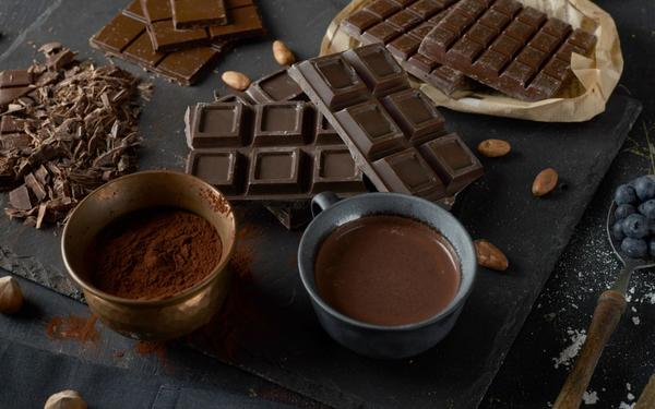 5 Reasons Why a Love Affair with Chocolate is Good for You!