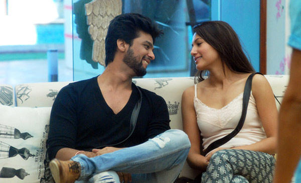 Kushal and Gauhar Break Up!!!