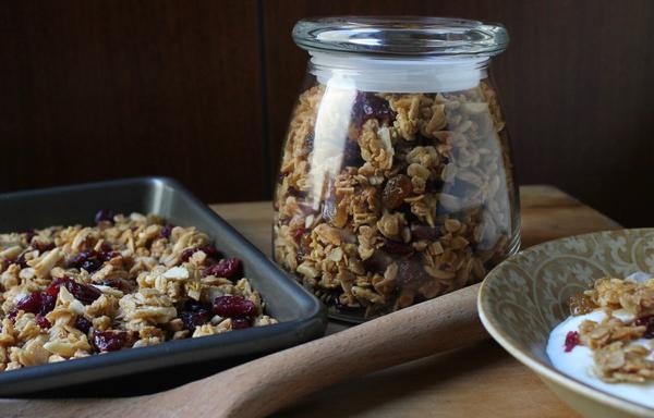 Healthy and Surprisingly Easy Granola Recipe