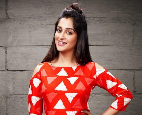 Guess What is Dipika Kakar Addicted To?