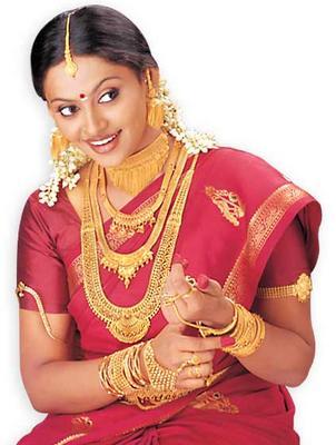Look Stunning With The 'Solah Shringaar'
