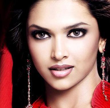 Kareena, Saif And Deepika: New Equations