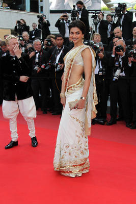 Deepika Scores At Cannes