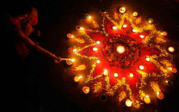 How To Perform Laxmi Puja During Diwali...