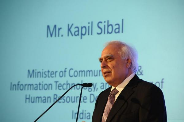 Kapil Sibal over internet restriction- Now, It's GOVT vs. INTERNET