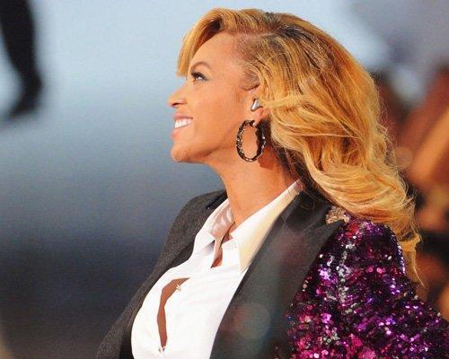 Beyonce Causes TwitterMania!