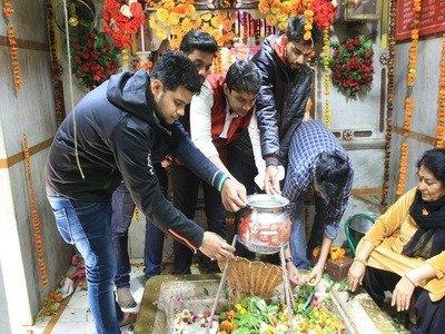 A Simple Hack in Meerut Saved Over 100 Litres of Milk on Shivratri!
