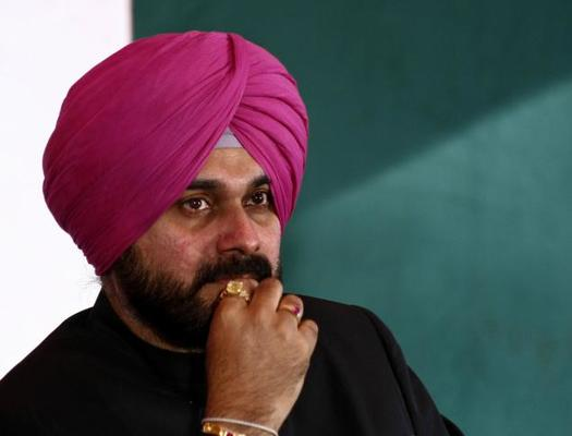 Is Navjot Singh Sidhu Now Joining AAP?