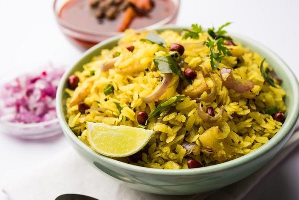 Masala Kanda Poha - An Ideal Breakfast