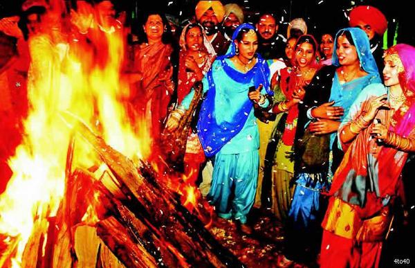 Sunder Mundriye HO, Tera Kaun Bechara HO, Dulla Bhatti Wala HO...HAPPY LOHRI!