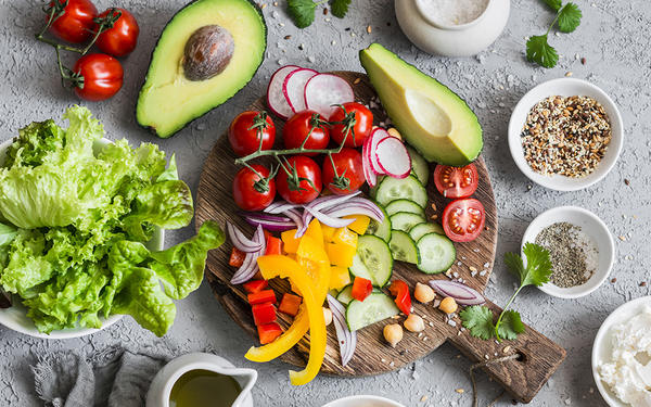 If You are Obese, Eat a Mediterranean Diet to Live Longer