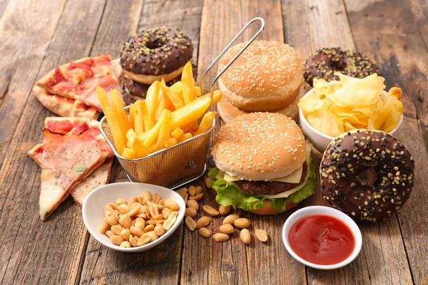 New Studies Point to a Relationship Between Junk Food and Cancer!