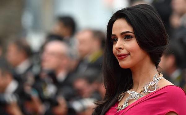Mallika Sherawat to be The Good Wife!