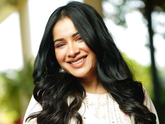 Sara Gurpal Bids Adieu to BB14, thanks to Sidharth!