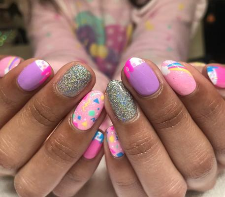 Nail Salons: Pros & Cons of Visiting One!