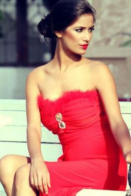 Poonam Pandey Is Looking For A Date, Are You Interested?