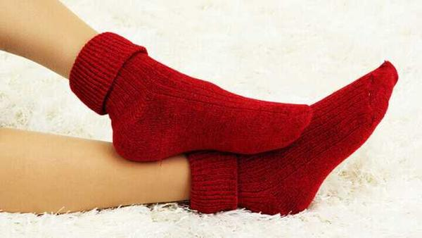 Should You Wear Socks to Bed?