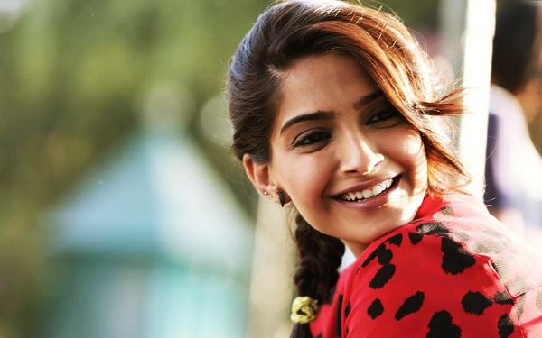 Sonam Needs an Acting Course!