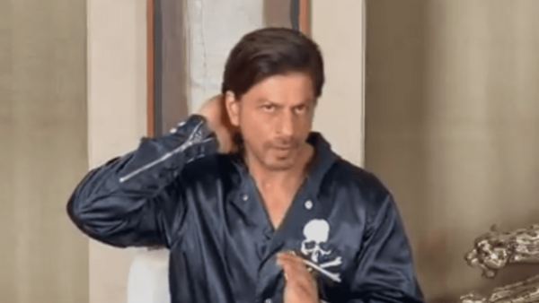 SRK Promises to Appear on the Big Screens in 2021