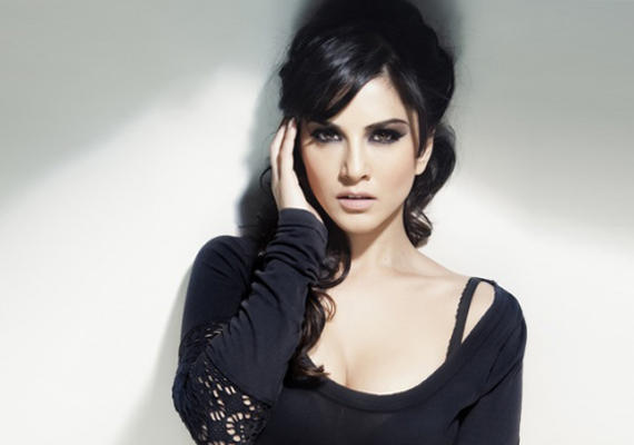 Sunny Leone To Judge India's Talent!!!