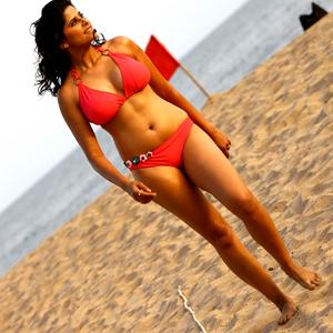 Sai Tamhankar in No Entry Pudhe Dhoka Aahe Bikini Photo