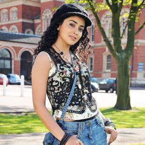 Shriya Saran Nice Look With Cute Smiling Still