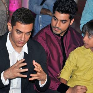 Aamir With Gautam Snapped On The Sets Of Yeh Rishta Kya Kehlata Hai
