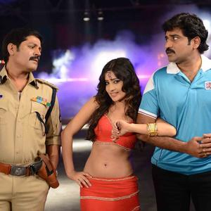 Sri Hari,Rajiv And Priyamani Nice Still From Thikka Movie