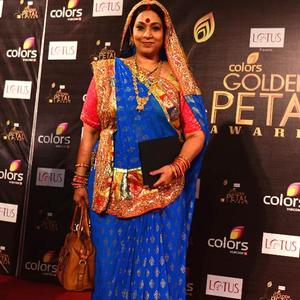 Hema Arrived At The Colors Golden Petal Awards 2012