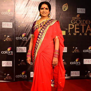 Nimisha Spotted In A Red Saree At The Colors Golden Petal Awards 2012